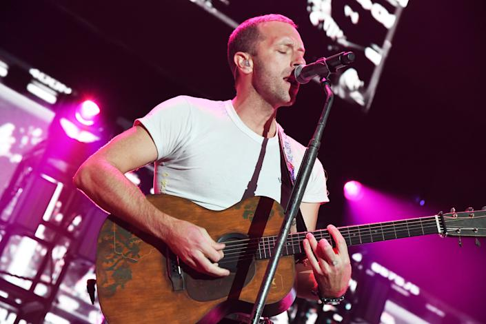 Chris Martin of Coldplay performs onstage at the 2020 iHeartRadio ALTer EGO at The Forum on January 18, 2020 in Inglewood, California. (Photo by Jeff Kravitz/FilmMagic for iHeartMedia )