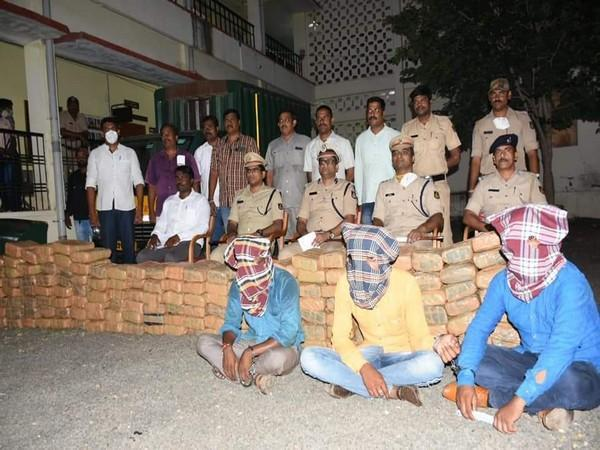 Visual of Police with the accused and ganja (Photo/ANI)