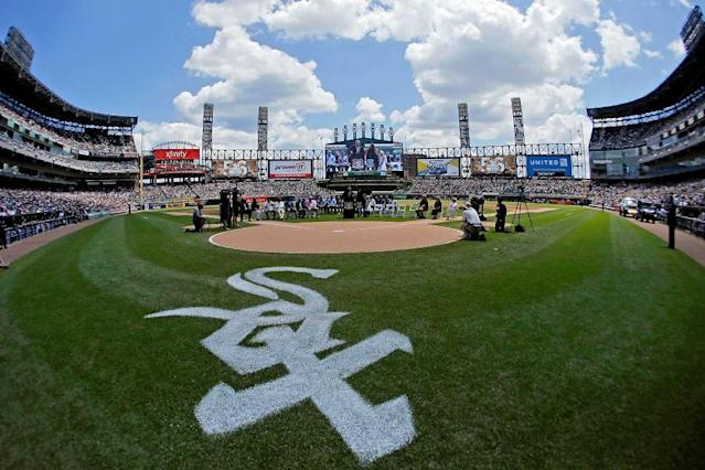 White Sox groundskeeper Nevest Coleman receives World Series watch after spending 23 wrongful years in prison. (Getty Images)