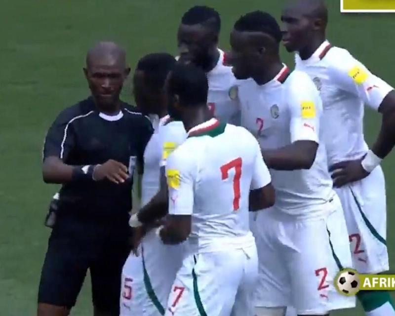 The Senegal Football Federation made a complaint to Fifa after the 2-1 defeat: Afrik-Foot/Streamable