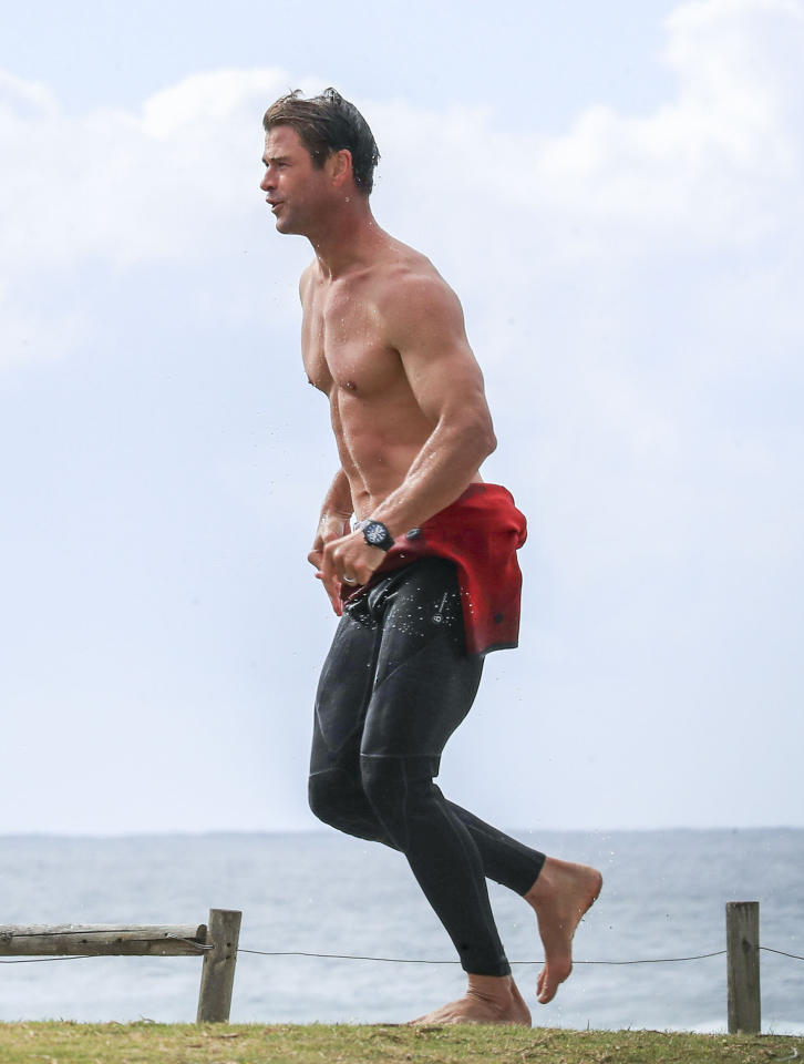 <p>We do love a good Chris Hemsworth shirtless photo, so today we present you with a glorious collection of the Thor star baring all as he enjoys a day out at the beach. <br />Source: Media Mode </p>