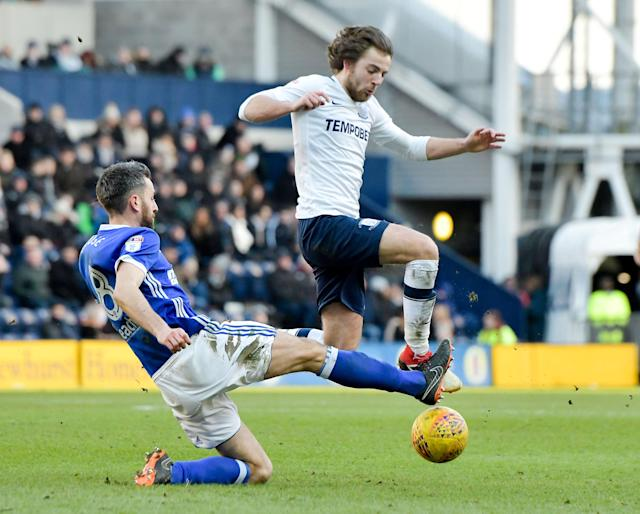 """Soccer Football - Championship - Preston North End vs Ipswich Town - Deepdale, Preston, Britain - February 24, 2018 PrestonÕs Ben Pearson in action with Ipswich Town's Cole Skuse Action Images/Paul Burrows EDITORIAL USE ONLY. No use with unauthorized audio, video, data, fixture lists, club/league logos or """"live"""" services. Online in-match use limited to 75 images, no video emulation. No use in betting, games or single club/league/player publications. Please contact your account representative for further details."""