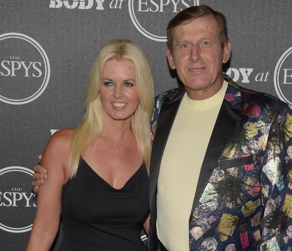 Craig and Stacy Sager, seen here at an ESPN event months before Craig's death in 2016. (Getty)