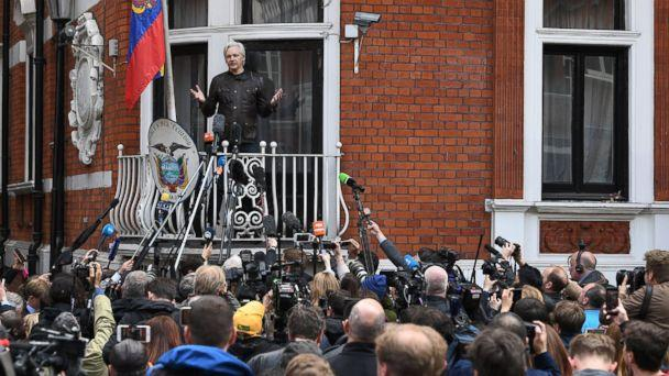 PHOTO: Wikileaks founder Julian Assange speaks to reporters on the balcony of the Ecuadorian Embassy in London, May 19, 2017. (Facundo Arrizabalaga/ EPA)