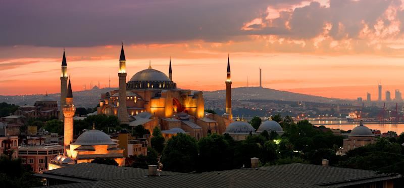 View on Ayasofya museum and cityscape of Istanbul at sunrise, Turkey (Photo: Givaga via Getty Images)
