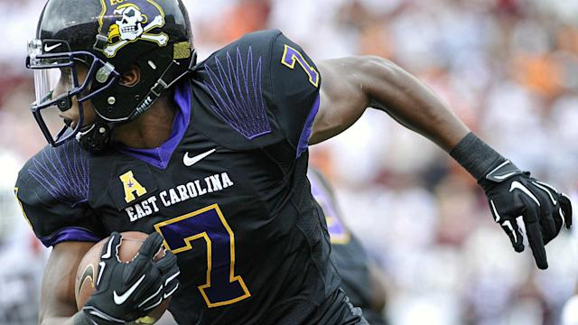 A week after breaking the NCAA record for most career catches, East Carolina WR Zay Jones sets the single-season receiving mark.
