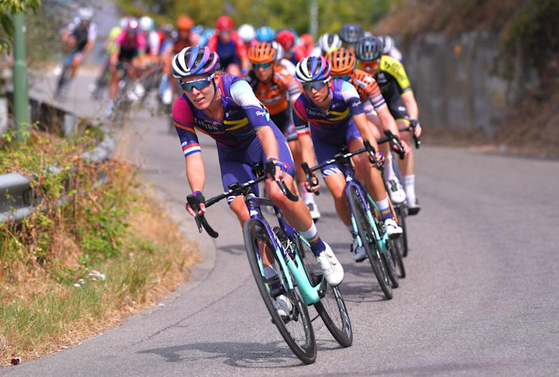 MADDALONI ITALY SEPTEMBER 17 Hannah Barnes of United Kingdom and Team Canyon SRAM Racing Katarzyna Niewiadoma of Poland and Team Canyon SRAM Racing during the 31st Giro dItalia Internazionale Femminile 2020 Stage 7 a 1125km stage from Nola to Maddaloni GiroRosaIccrea GiroRosa on September 17 2020 in Maddaloni Italy Photo by Luc ClaessenGetty Images