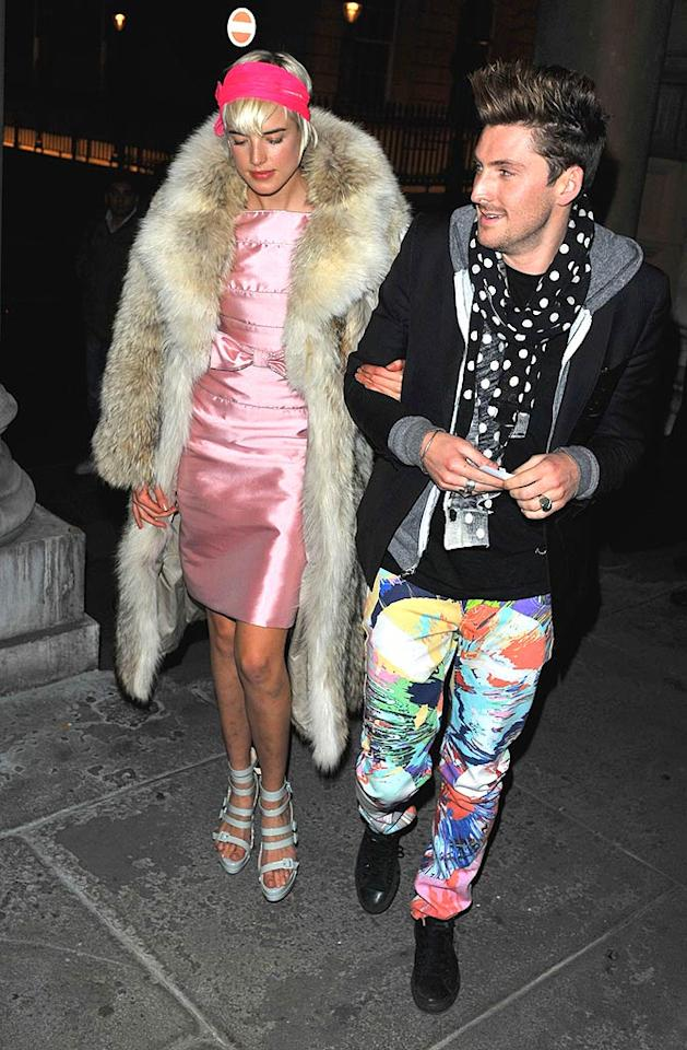 """Supermodel Agyness Deyn's pink prom bomb, neon headband, and faux fur coat landed her on this week's list, while her BFF/fashion designer Henry Holland received an invitation thanks to his multi-colored """"pants"""" and silly man scarf. Goff/<a href=""""http://www.infdaily.com"""" target=""""new"""">INFDaily.com</a> - December 10, 2008"""