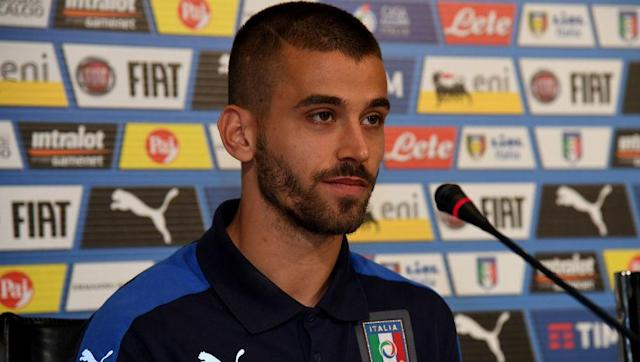<p><strong>Born in: </strong>Foligno, Perugia, Italy</p> <p><strong>Age:</strong> 23</p> <p><strong>Club:</strong> Atalanta (on loan from Juventus)</p> <p><strong>Position:</strong> Left midfielder</p> <br><p>Spinazzola has so far had a tremendous season with Serie A side Atalanta. The youngster has created four assists for <em>La Dea </em>this campaign, therefore being a vital element for their success in attack. </p> <br><p>This will be his first senior appearance for the <em>Azzurri</em> and he will most likely participate in the friendly match with the Netherlands.</p>