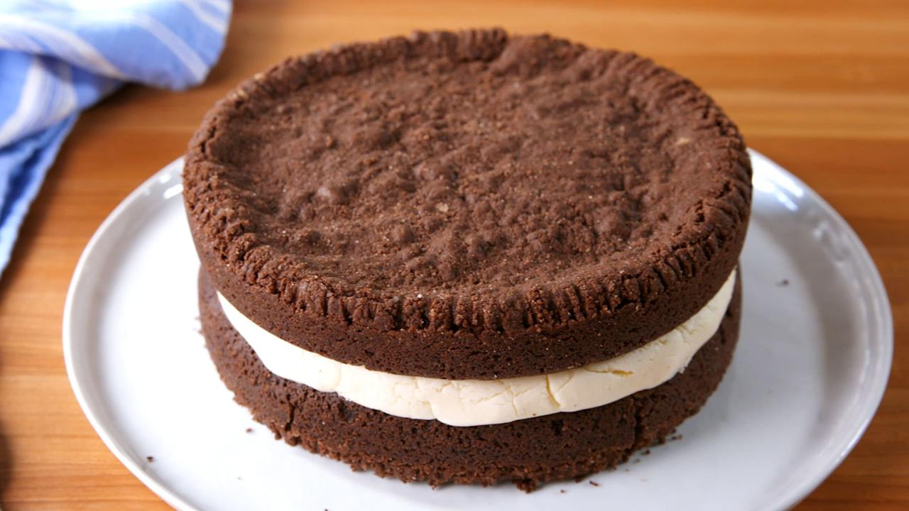 """<p>Your dad deserves better than a generic, store-bought cake on Father's Day.</p><p>Looking for more ways to celebrate? Check out our <a rel=""""nofollow"""" href=""""http://www.delish.com/fathers-day-recipes/"""">Father's Day guide</a>.</p>"""