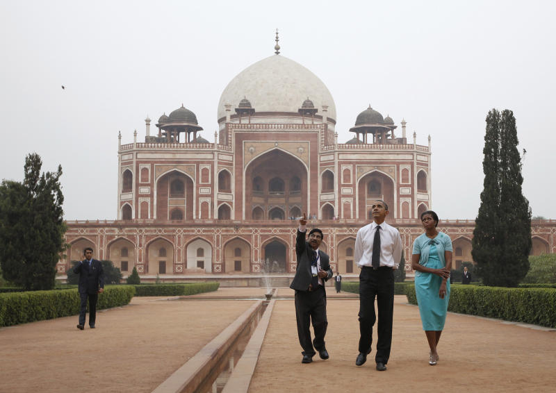 President Barack Obama and first lady Michelle Obama visit Humayun's Tomb in New Delhi, India, Sunday, Nov. 7, 2010. (AP Photo/Charles Dharapak)