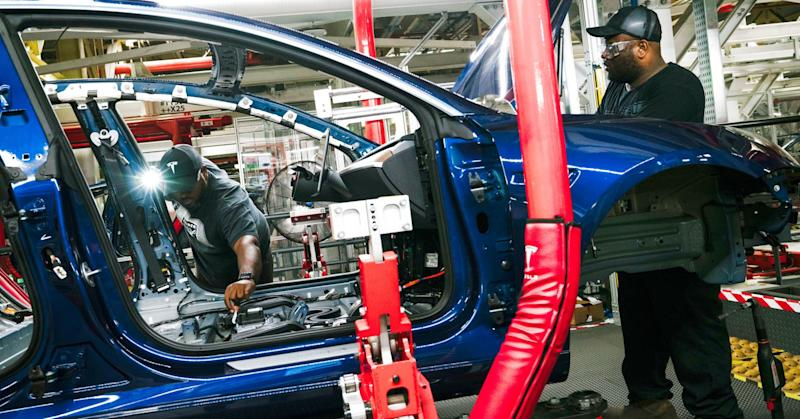 After an inside look at Tesla's Model 3 factory, one analyst says producing 8,000 cars a week is possible