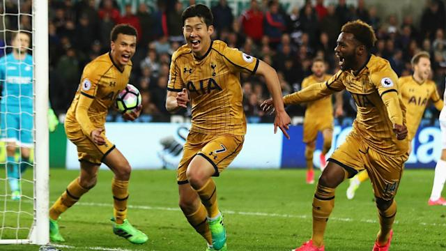 Tottenham snatched a late win at Swansea City and manager Mauricio Pochettino praised his players for showing a will to fight.