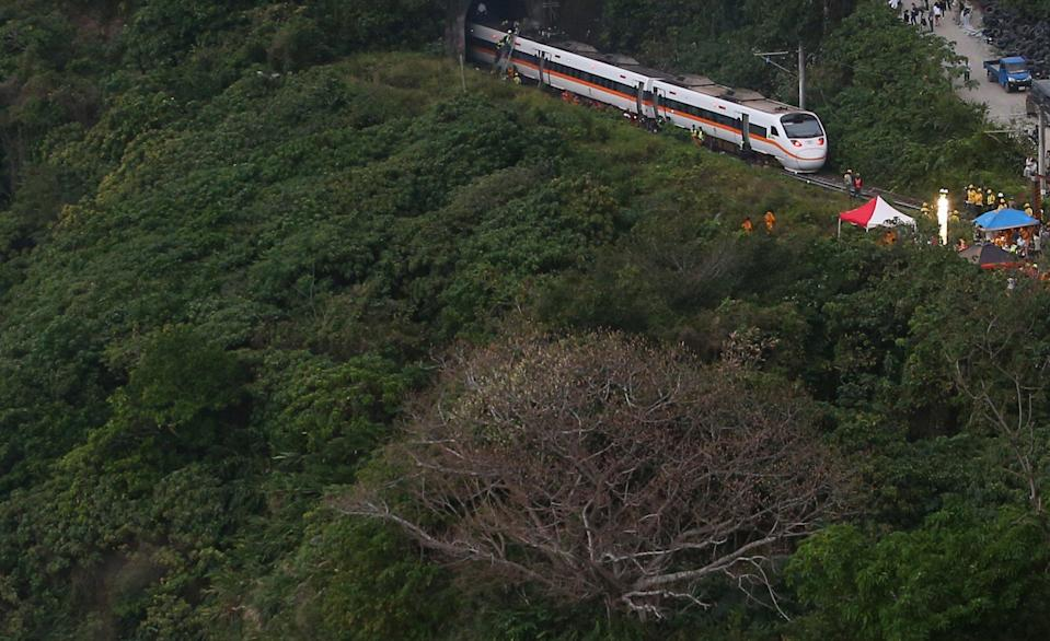 The train derailment site in Hualian. The death toll from the Taiwan train derailment has risen to 50, with 146 people rushed to hospital and no one still trapped at the accident site, according to local authorities. (Xinhua)