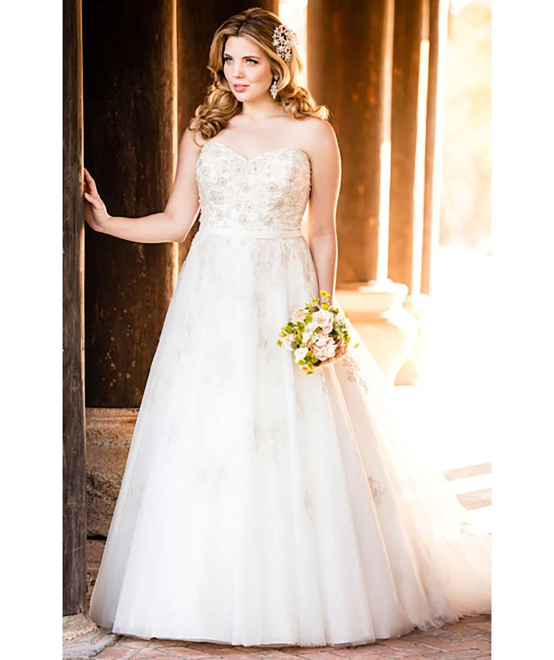 5 gorgeous full figured wedding gowns for Plus size after wedding dress