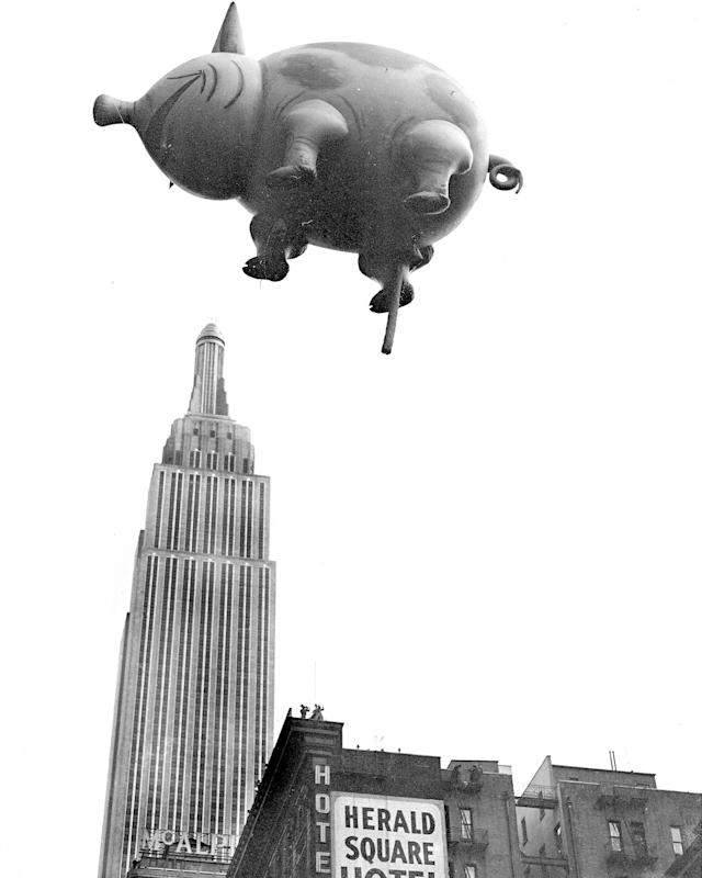 <p>This blind pig is not a speakeasy. He's coming from the 1932 Macy's Thanksgiving Day Parade. And don't let that perspective fool you. Mr. Pig is not really over Empire State Building. (Photo: New York Daily News Archive via Getty Images) </p>
