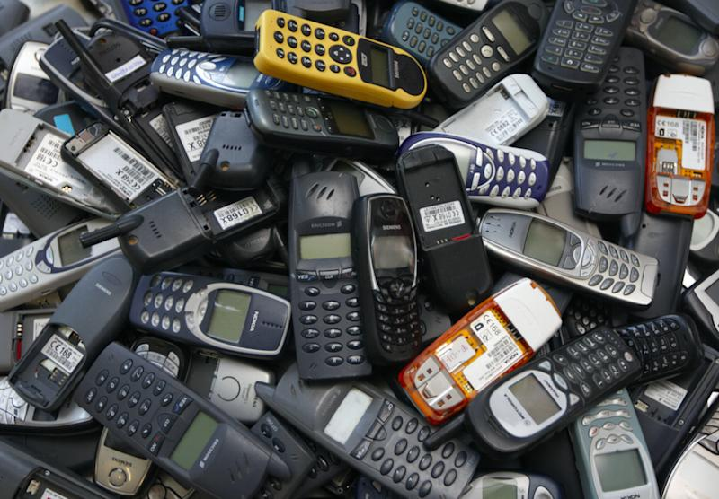 Quiz: Can You Name These Mobile Phones Past And Present?