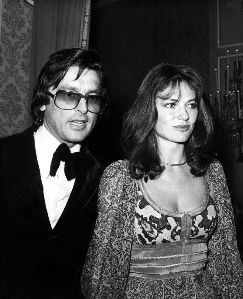 ***FILE PHOTO*** Robert Evans Has Passed Away. Robert Evans And Jacqueline Bisset. Credit: 2369305Globe Photos/MediaPunch /IPX