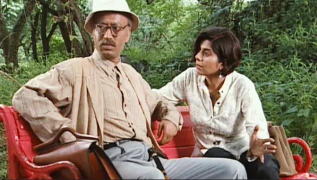 At the turn of the millennium, before they became the formidable names in contemporary filmmaking, directors like Imtiaz Ali, Anurag Kashyap and Tigmanshu Dhulia found a platform in this anthology TV series that aired on Star Plus. Irrfan featured in a majority of the episodes directed by Dhulia – an association which will continue for years to come. These episodes to date remain the most talked about ones from the show. Be it the bumbling, small-town dad in Bhoron Ne Khilaya Phool or the fabulist senior citizen in Fursat Mein or the young conservative grocer fantasizing about romancing his older landlady in Ek Shaam Ki Mulakaat, Star Bestsellers was essentially an Irrfan showreel.