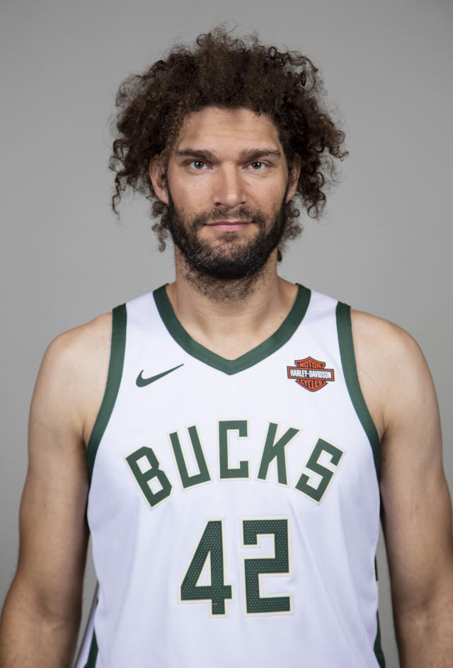 """Does my hair look OK?"" — Robin Lopez, every year"
