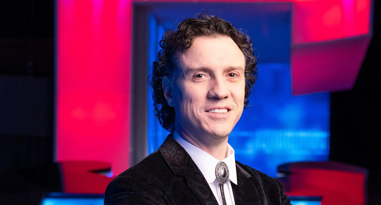 Former contestant Darragh Ennis is the show's new Chaser. (ITV)