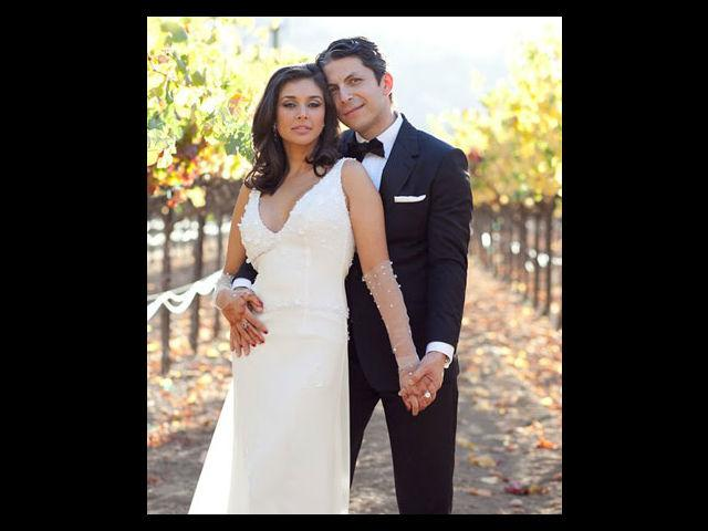<b>5. Lisa Ray</b><br> Lisa married her long-standing boyfriend Jason Dehlvi in an exclusive wedding ceremony in Napa Valley. She wore a slim-fitted white gown designed by Wendell Rodricks. It was a georgette gown with satin-silk trail encrusted with crystals, delicate daisy petals, glowing pearls and shiny sequins.