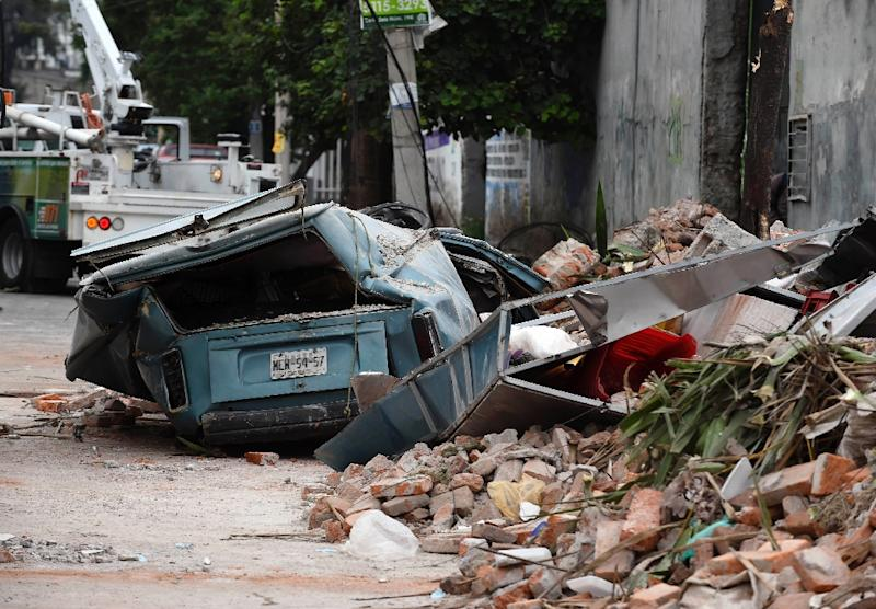 A street is seen in the eastern area of Mexico City after a 8,2 earthquake on September 8, 2017 (AFP Photo/ALFREDO ESTRELLA)