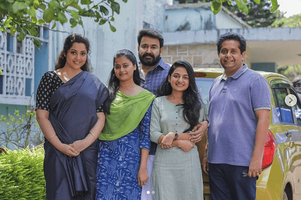 Meena, Mohanlal, Esther Anil, Ansiba and Jeethu Joseph on the sets of <i>Drishyam 2.</i>