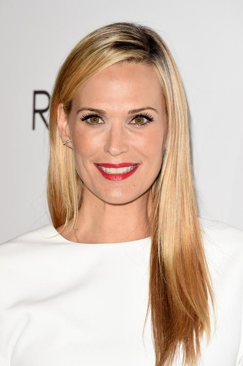 Molly sims reveals the truth about industry bullying botox solutioingenieria Image collections