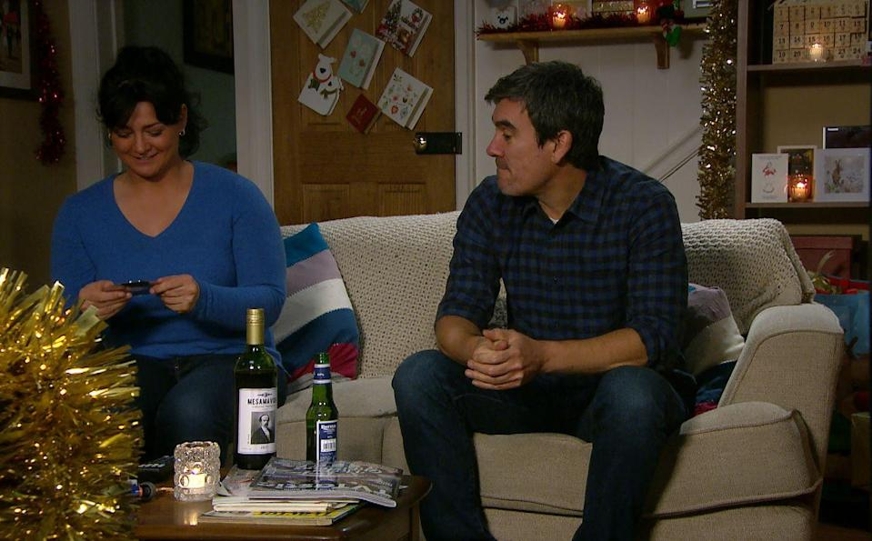 <p>Christmas is looking rosy now that they're back together.</p>