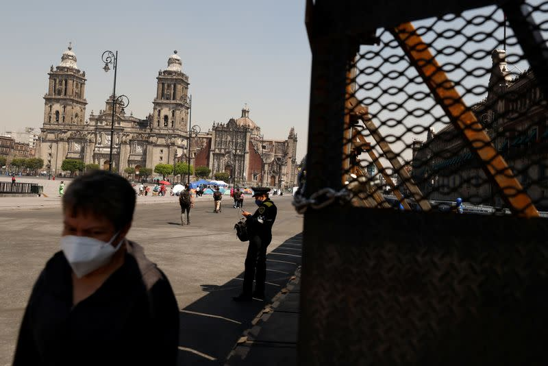 Mexico City erects barricades ahead of expected violence in Women's Day march