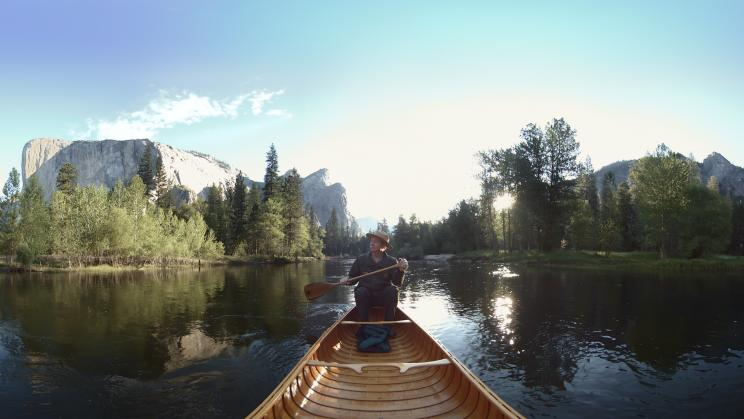 A canoe on a lake in yosemite