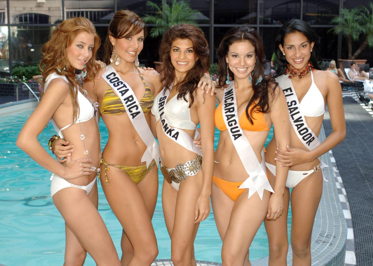 This picture provided by the 2006 Miss Universe pageant shows from L to R, Miss Spain Elisabeth Reyes, Miss Costa Rica Fabriella Quesada, Miss Sri Lanka Jacqueline Fernandez, Miss Nicaragua Cristiana Frixione Mendoza and Miss El Salvador Rebecca Iraheta, posing in swimsuits at the Wilshire Grand Hotel in Los Angeles 08 July 2006.