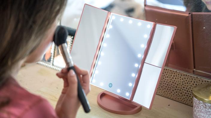 Best gifts for wives 2020: DeWeisn Tri-Fold Lighted Makeup Mirror