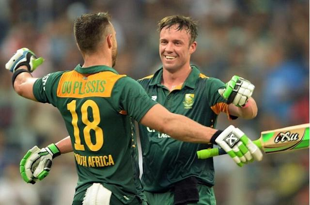 South African captain Faf du Plessis says AB de Villiers (R) would be welcomed back in the T20 side with open arms (AFP Photo/PUNIT PARANJPE)