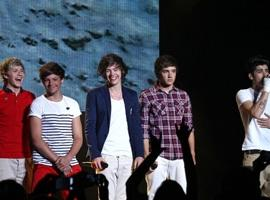 One Direction Cause Hysteria As US Tour Reaches Los Angeles