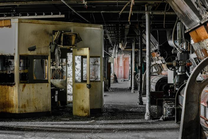 "<p>""I hope the viewer sees photos of an automotive assembly plant or power plant and can imagine all that would have been going on in this scene."" (Photo: Freaktography/Caters News) </p>"
