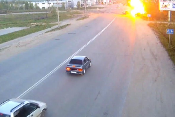 Car crash in Russia causes huge Hollywood explosion (video)