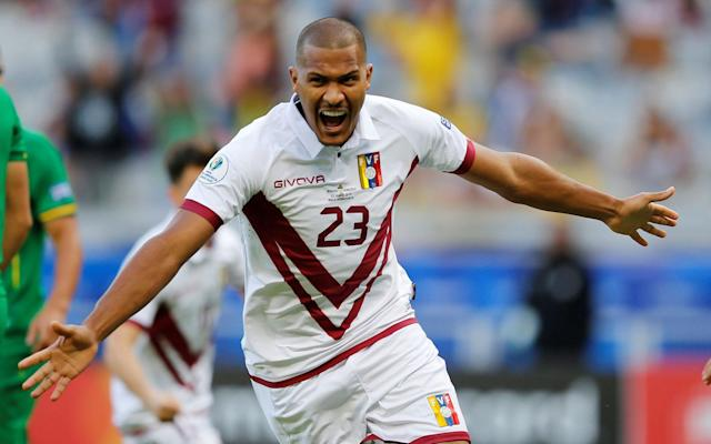 Rafa Benitez is to secure the £16.5m signing of striker Salomon Rondon - REUTERS