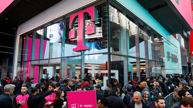 US telecom regulator approves $26 billion T-Mobile merger with Sprint