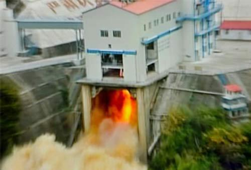 China Tests Powerful Rocket Engine for New Booster