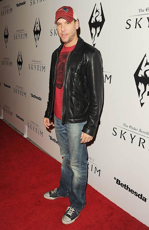 In his broken-in jeans and sneakers, funny guy Dane Cook certainly looked like he was ready for a night of video gaming. (11/8/2011)