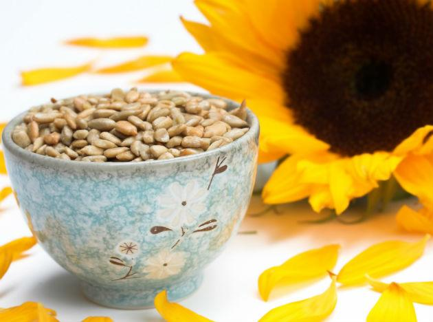 <b>Sunflower seeds</b> contain Selenium and Magnesium. These compounds are believed to give us the instant feel-good. Also seeds are rich in amino acids that help in serotonin production, which is good for one's mood.