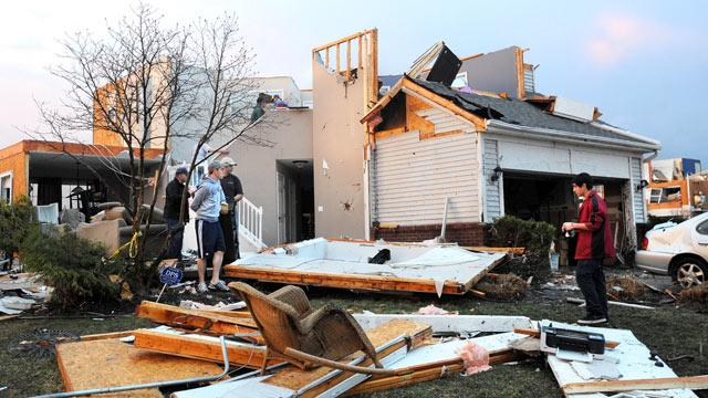 Tornadoes Rip Through Michigan, Destroy or Damage Over 100 Homes