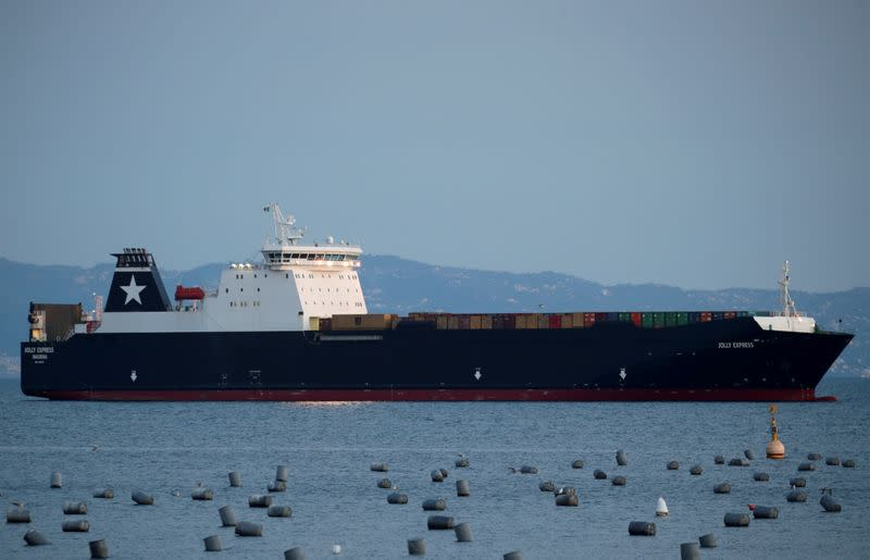 EU lawmakers agree to include shipping emissions in EU carbon market
