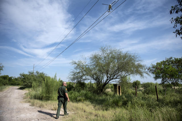 Border Patrol agent Carlos Ruiz. (Photo: Sergio Flores for Yahoo News)