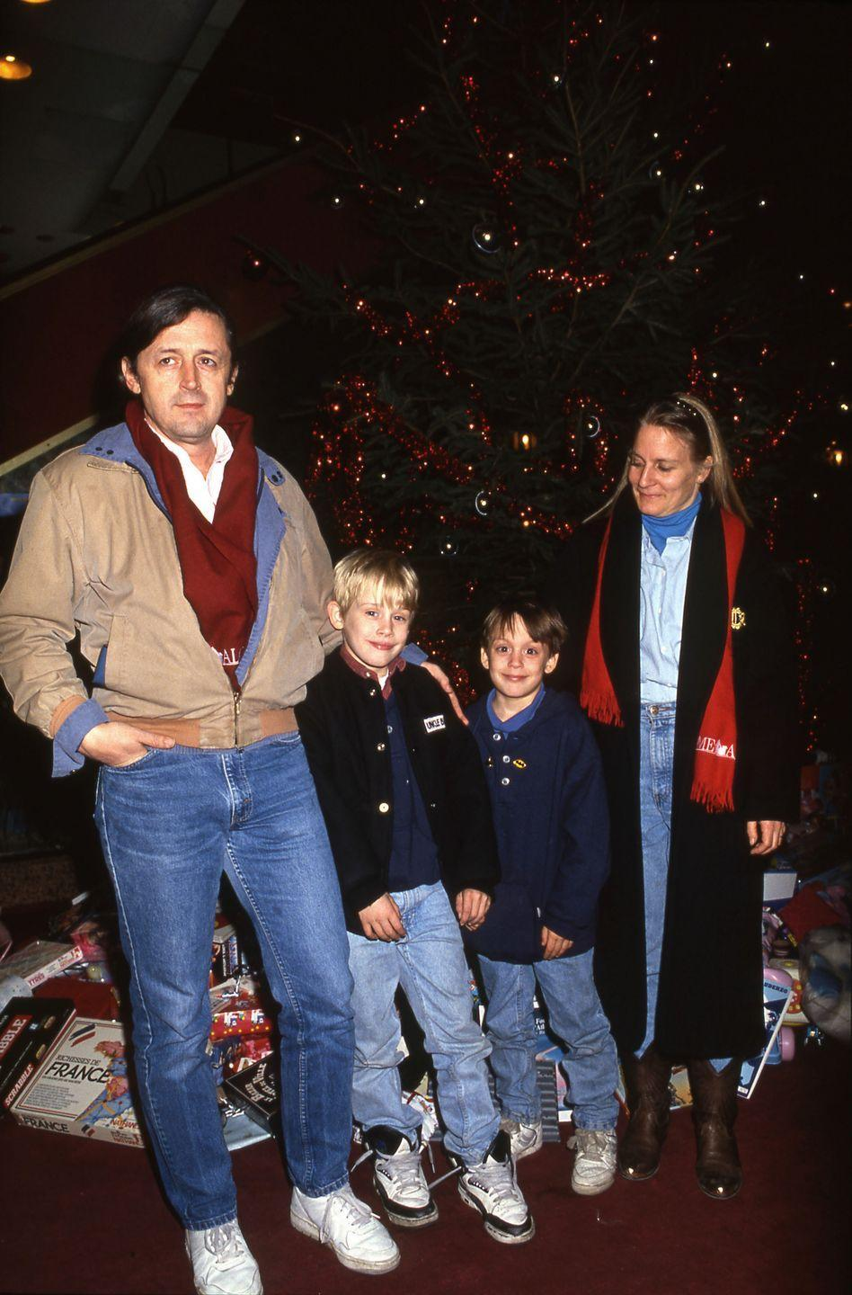 """<p>The little boy who makes you laugh with his <em>Home Alone</em> antics every Christmas had a hellish relationship with father Kit Culkin.</p><p>In 1995, Kit and Macaulay's mother, Patricia Brentrup, separated after being together for 20 years and bringing seven children into the world. (They never married.)</p><p>The <a href=""""http://articles.latimes.com/1995-11-05/magazine/tm-64948_1_macaulay-culkin"""" rel=""""nofollow noopener"""" target=""""_blank"""" data-ylk=""""slk:custody battle"""" class=""""link rapid-noclick-resp"""">custody battle</a> was particularly grueling, because not only were Kit and Patricia fighting over their kids, they were also fighting over who gets to continue managing their famous — and rich — son's career.</p><p><a href=""""http://www.telegraph.co.uk/culture/4705759/The-father-from-hell.html"""" rel=""""nofollow noopener"""" target=""""_blank"""" data-ylk=""""slk:Patricia accused"""" class=""""link rapid-noclick-resp"""">Patricia accused</a> Kit of """"drunkenness, unfaithfulness and a violent 'reign of terror.'""""</p><p>According to <em><a href=""""http://nymag.com/arts/books/reviews/16211/"""" rel=""""nofollow noopener"""" target=""""_blank"""" data-ylk=""""slk:New York Magazine"""" class=""""link rapid-noclick-resp"""">New York Magazine</a></em>, Macaulay said his father controlled the family """"by humiliation and physical abuse."""" Macaulay and his father have been estranged ever since the court case.</p><p>In 2016, Kit <a href=""""http://www.dailymail.co.uk/tvshowbiz/article-3554323/He-s-not-son-anymore-Macaulay-Culkin-s-ailing-reclusive-father-Kit-rules-reconciliation-famous-actor-son.html"""" rel=""""nofollow noopener"""" target=""""_blank"""" data-ylk=""""slk:told the Daily Mail"""" class=""""link rapid-noclick-resp"""">told the <em>Daily Mail</em></a>, """"I don't consider [Macaulay] a son anymore.""""</p>"""