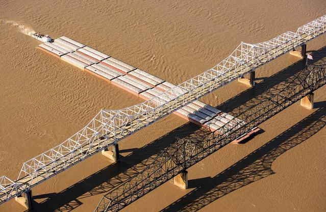 <p>The new and old Vicksburg Bridges, Mississippi. The old bridge, constructed during 1928-1930; listed on the National Register of Historic Places in 1989. This is near the town of Vicksburg where major battles took place during the Civil War. (Photo: Jassen Todorov/Caters News) </p>