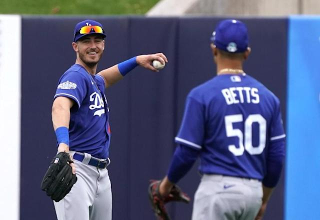FILE PHOTO: MLB: Spring Training-Los Angeles Dodgers at Milwaukee Brewers