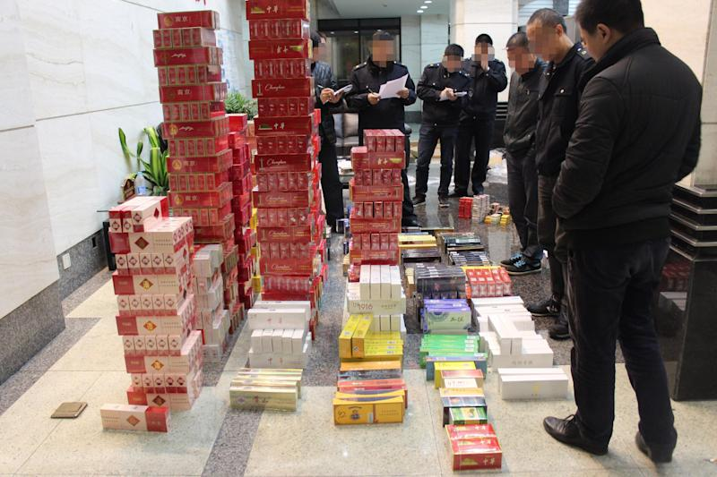 Cases for fake cigarettes. (Image Credit: Alibaba)